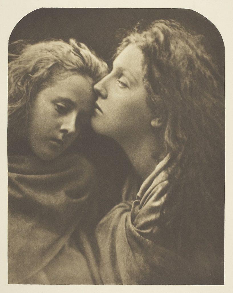The Kiss of Peace. Джулия Маргарет Камерон. История фотографии. Викторианская фотография.
