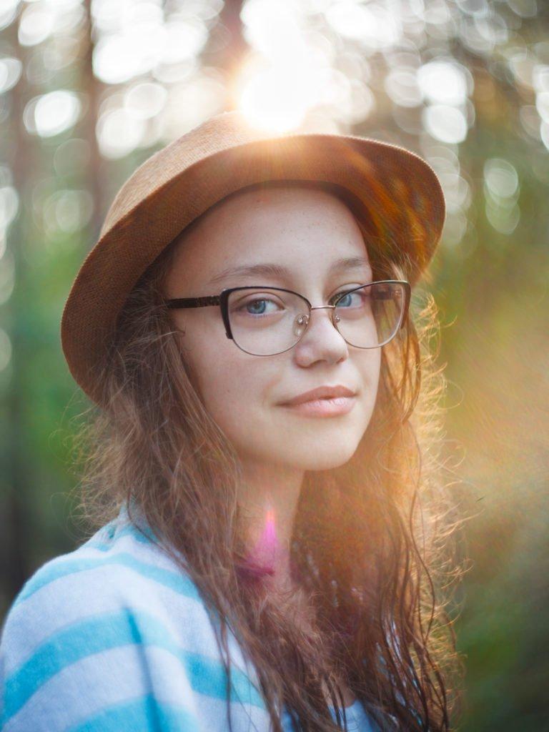 Потрет брюнетки - идеи для фото на лето - фоточеллендж-фотограф Челябинск Мурзаханова Резеда